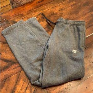 Nike Fleece Sweatpants, size L